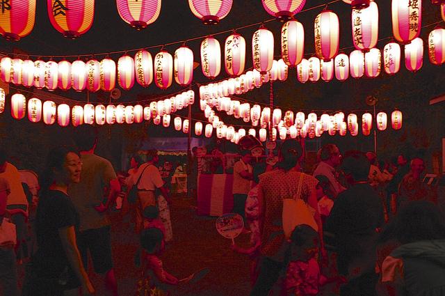 盆踊りのプロみたいなおばちゃんたちが、将来の日本の夏を担っているのかもしれない