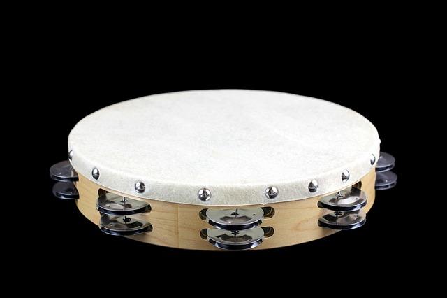この楽器の呼び方論争 「タンバリン」それとも「タンブリン」?