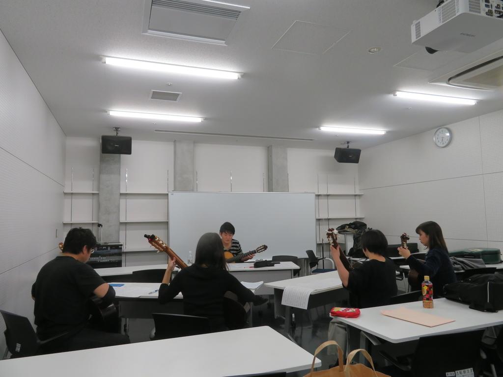 f:id:itsukofumiaki:20181211054210j:plain