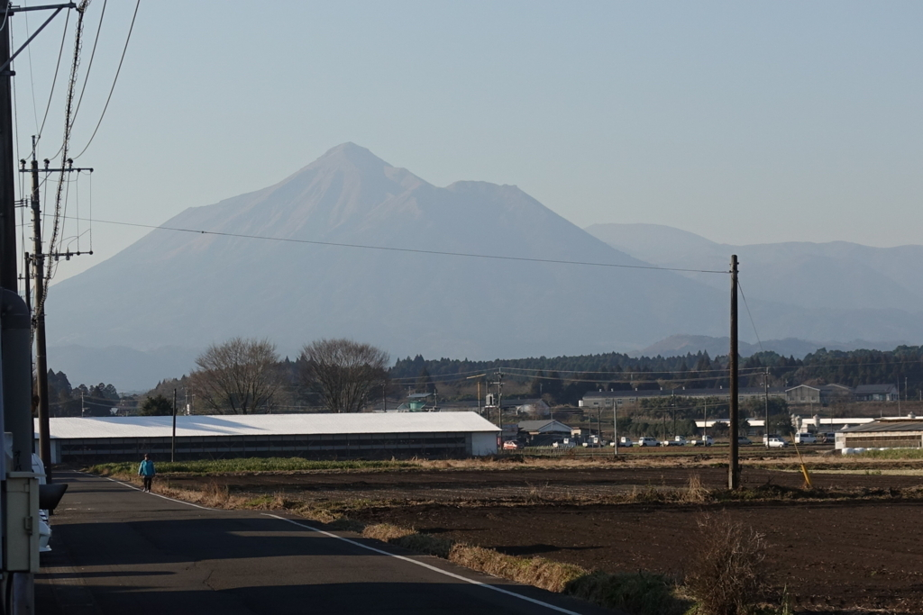 ほほえみの園から望む霧島連山
