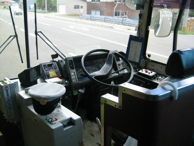 バス運転席(岩手県交通)
