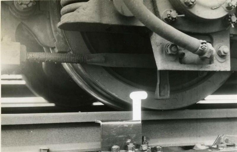09_銀座線開業時に導入された日本初のATS(東京メトロ提供)