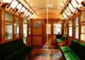 [銀座線]27 間接照明を備え、バネ式の吊り手が整然と並ぶ1000形電車
