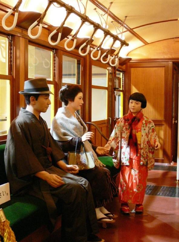 28 昭和初期、開業当時の様子を再現した1000形電車