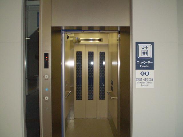 110103-03 新安城 さがり線 エレベーター (あお) (2階)