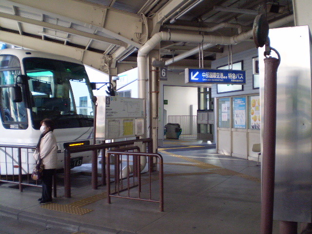 110108-09 東岡崎駅 エレベーター 専用 でぐち