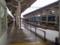 110115-09 越前武生 ホームと 電車