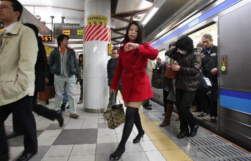 110328 7時 57分 仙石線 仙台駅 (あさひ 中田徹氏)