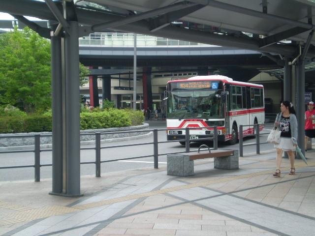 110623 46-07 岐阜 えきまえ 9番 バス停に くる バス