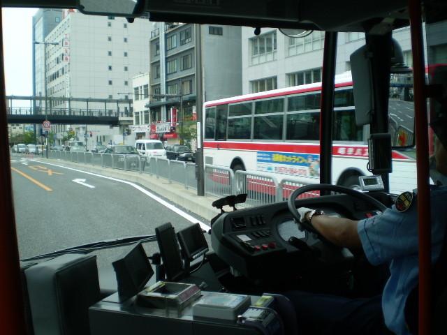 110623 46-11 前方 けしき (バスと すれちがい)