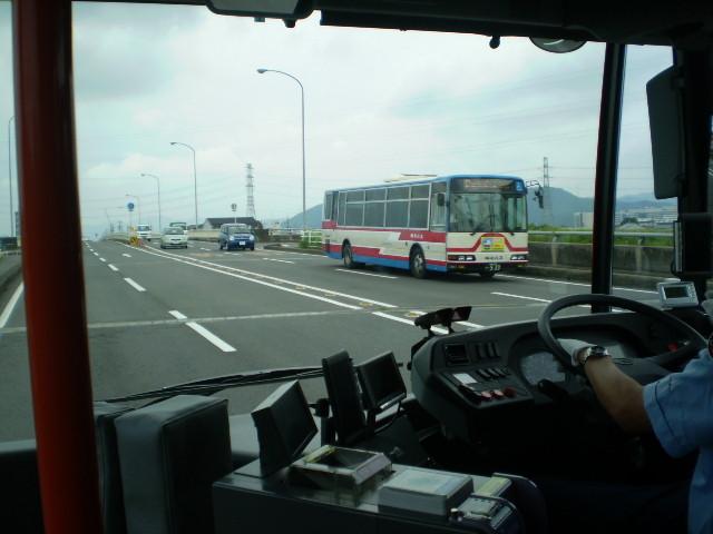 110623 46-19 前方 けしき (バスと すれちがい)