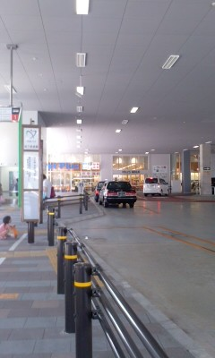110710 14:22 徳重駅 バス ターミナル 02