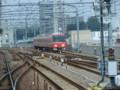 110828 18 10:21 鳴海 (なるみ) てまえで さがり 電車と すれちがい