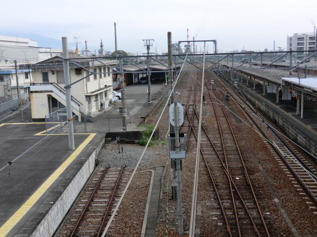 111105 10:12 富士 こ線橋から 沼津 方面を みる