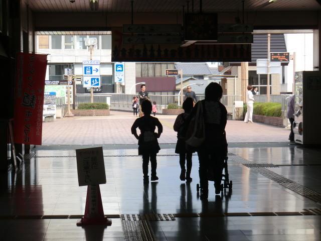 111105 10:50 富士宮 自由 通路