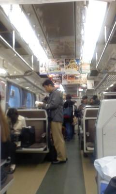 111123 (07) 16:00 鳴海−左京山間で 豊橋 いき 快速特急 車内