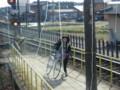 120108 三岐鉄道 (63) 10:48 丹生川で 自転車が のって くる
