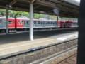 120512 軽井沢から (87) 13:34 しなの鉄道 戸倉 留置線の 電車群