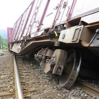 2013年9月の函館線貨物列車脱線事故(東洋経済)