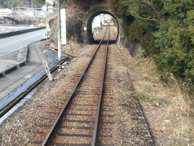 20140113 11.10.14 郡上八幡 てまえの ちいさな トンネル