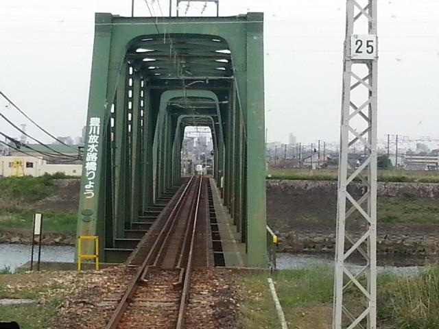 20140506 16.12.45 豊橋いきふつう - 豊川放水路きょうりょう