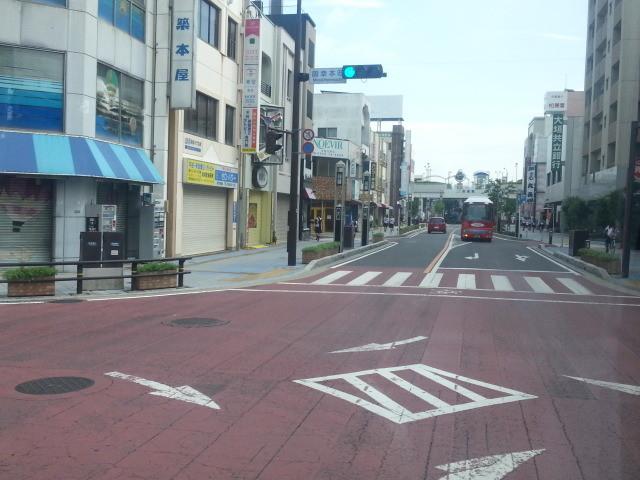20140708 08.09.52 あんくるバス桜井線バス - 御幸本町交差点