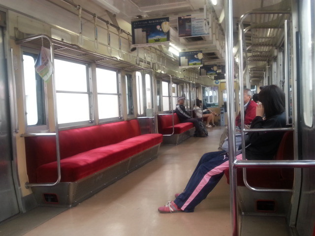 20150509_092539 岳南江尾いきふつう - 電車んなか