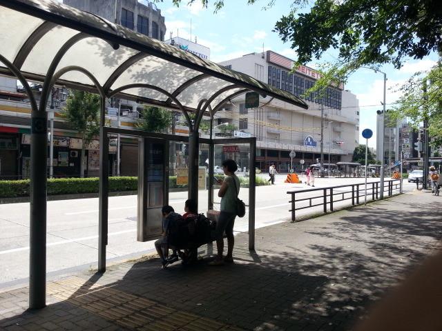 20150720_102329 神宮東門3番バスのりば