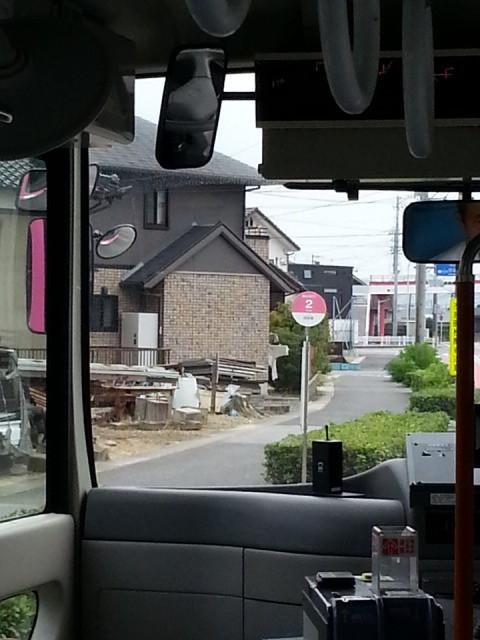 20150822_130111 桜井線バス - 円光寺通過