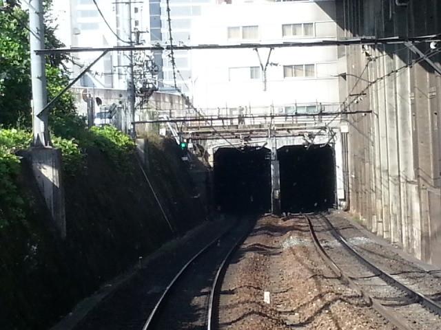 20151017_133756 名鉄岐阜いき特急 - 名鉄名古屋トンネルいりぐち