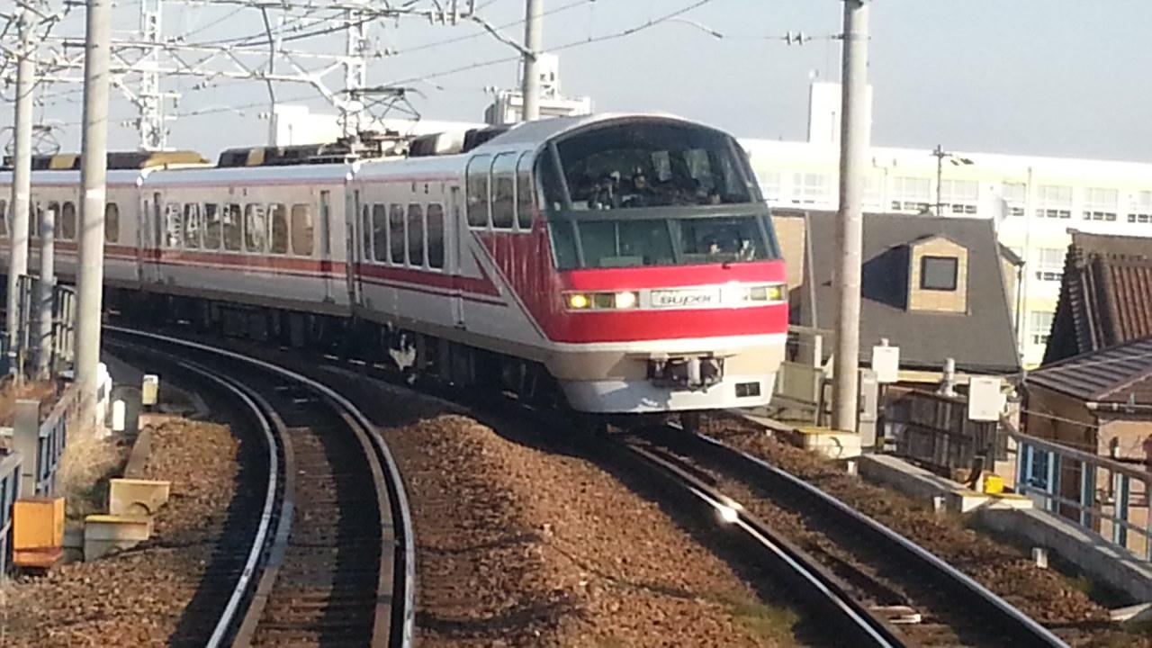 20160111_094154 名鉄岐阜いき特急 - 庄内川てまえ