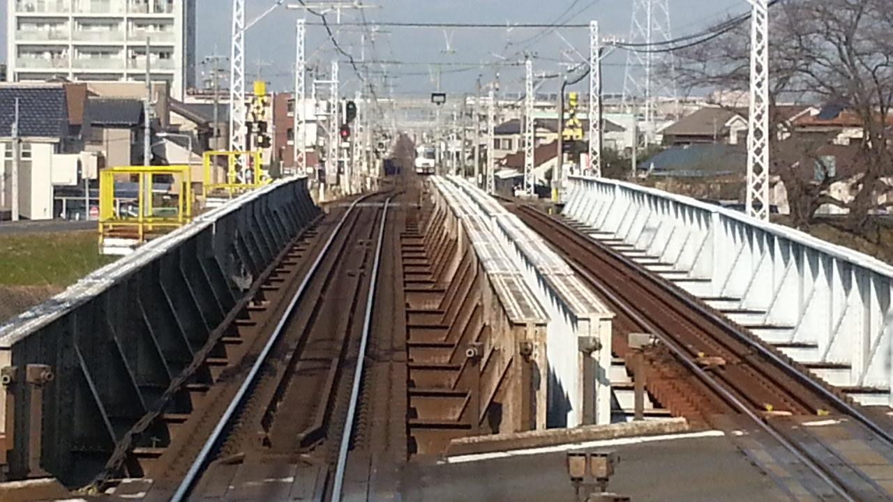 20160111_094527 名鉄岐阜いき特急 - 五条川をわたる