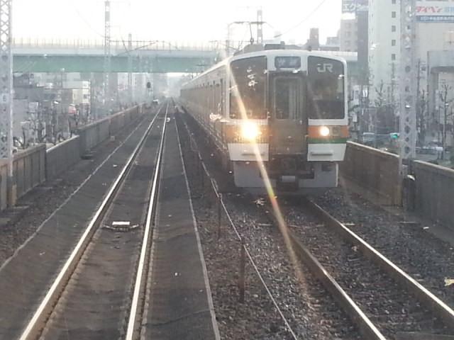 20160330_163002 名古屋いき快速 - 鶴舞と金山のあいだ