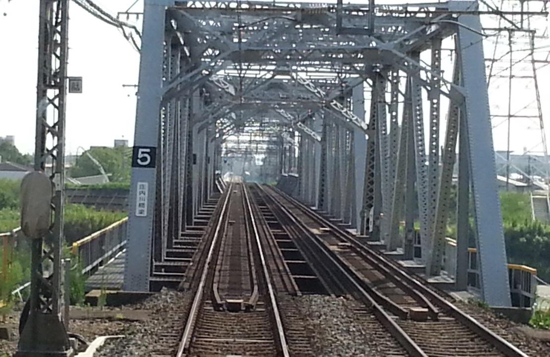 20160803_152058 伊勢中川いきふつう - 庄内川鉄橋 1110-720