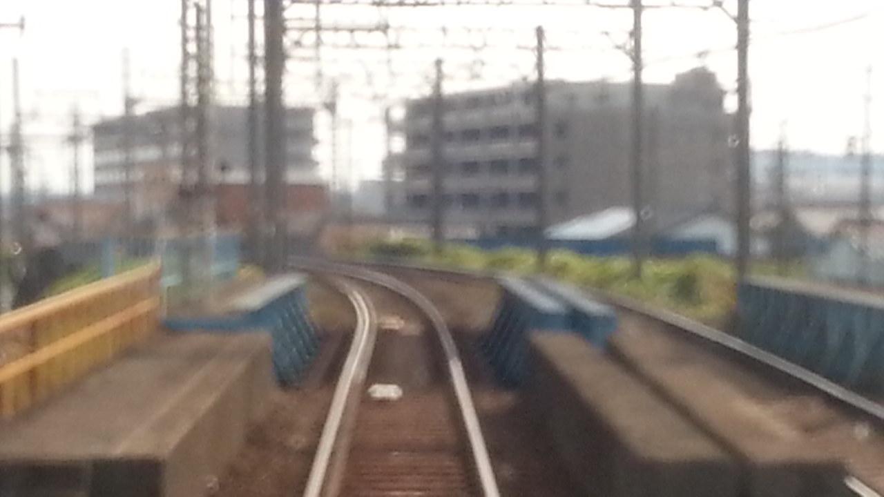 20160803_155630 四日市いき急行 - 線路またぎ