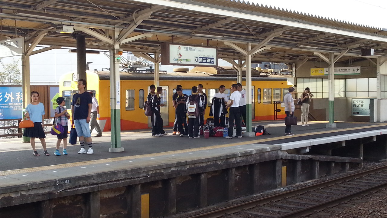 20160803_160244 近鉄富田 - 三岐線ホーム