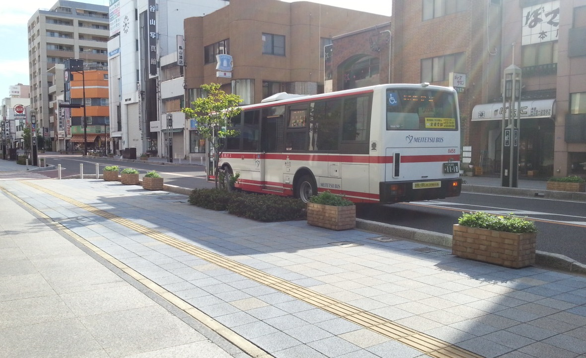 20160907_075840 碧海信用金庫本店 - 名鉄バス 1180-720