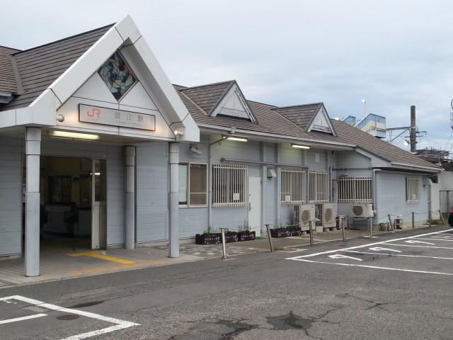 20160929_164818 蟹江=駅舎