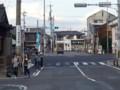 20161007_160533 名鉄バス - 矢作橋駅前交差点を右折右折