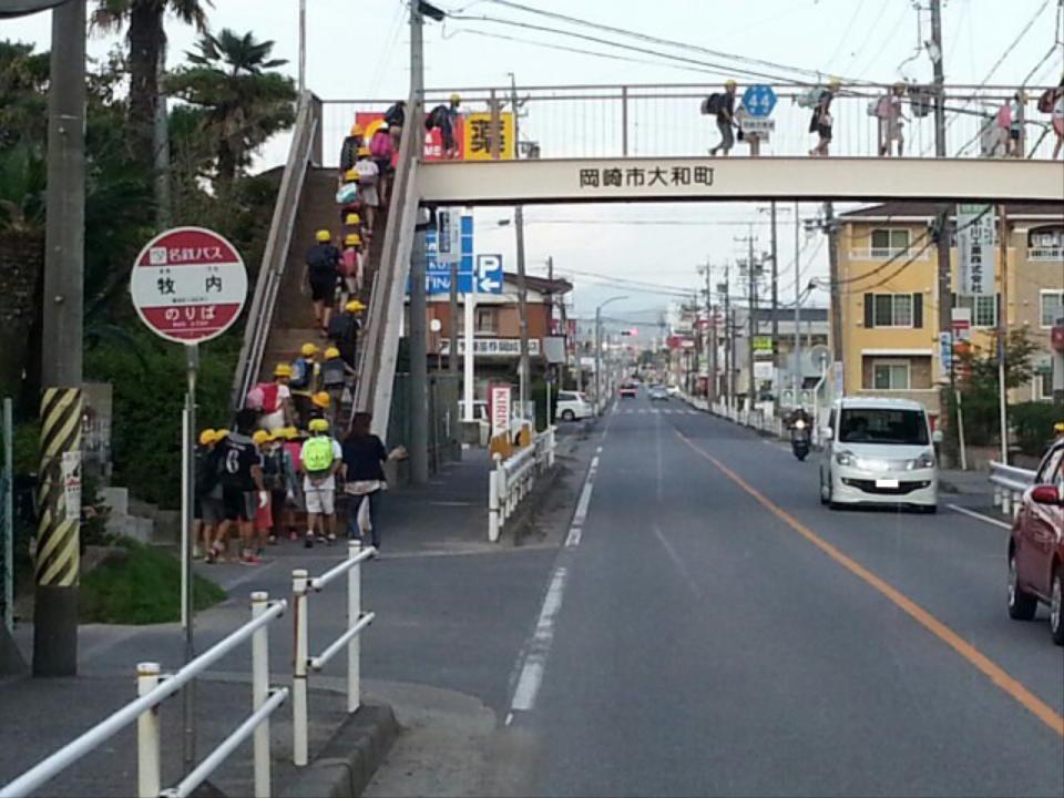 20161007_155825 名鉄バス - 牧内バス停 960-720
