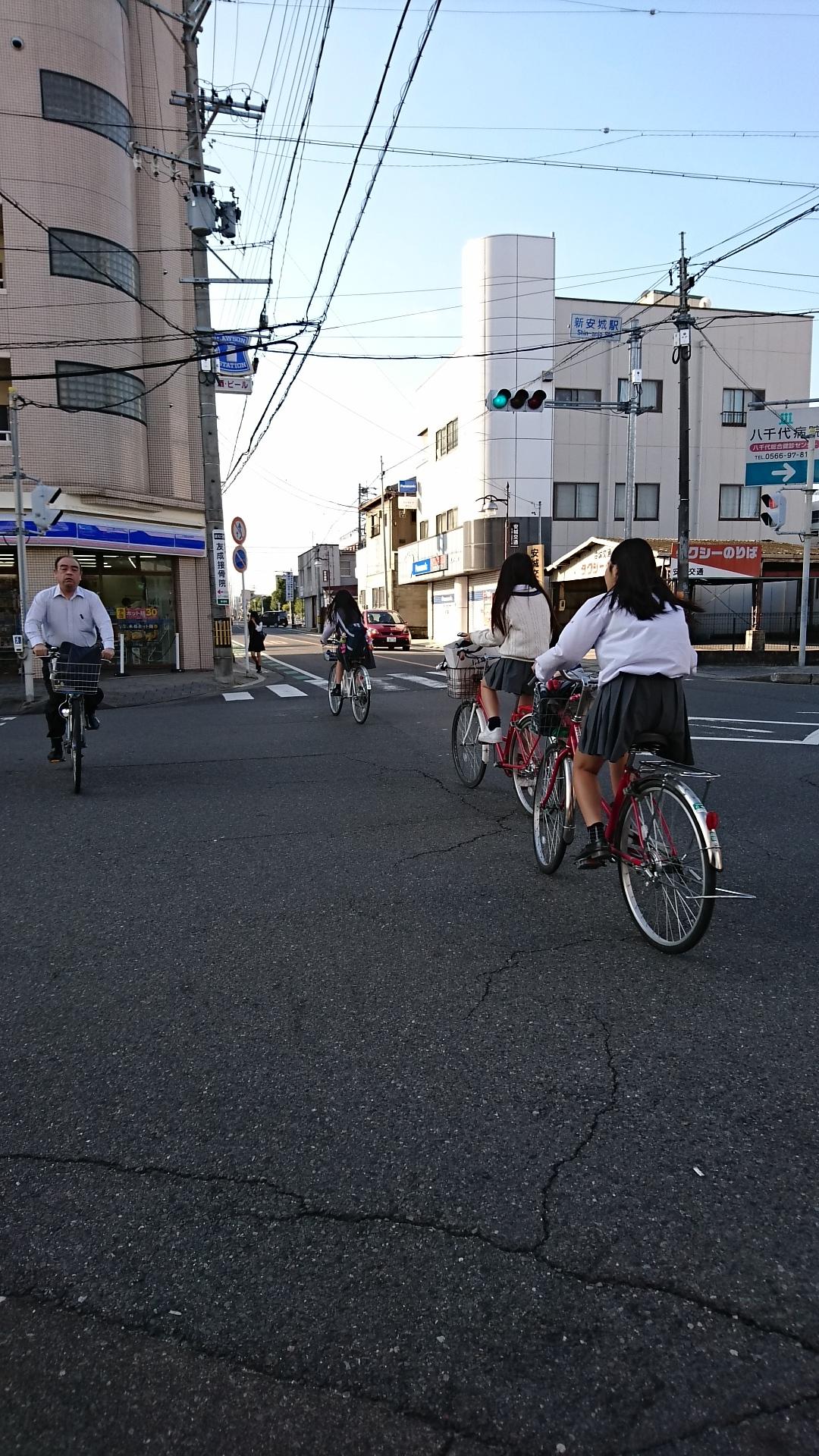 2016.10.19 あさ (9) しんあんじょうえき交差点