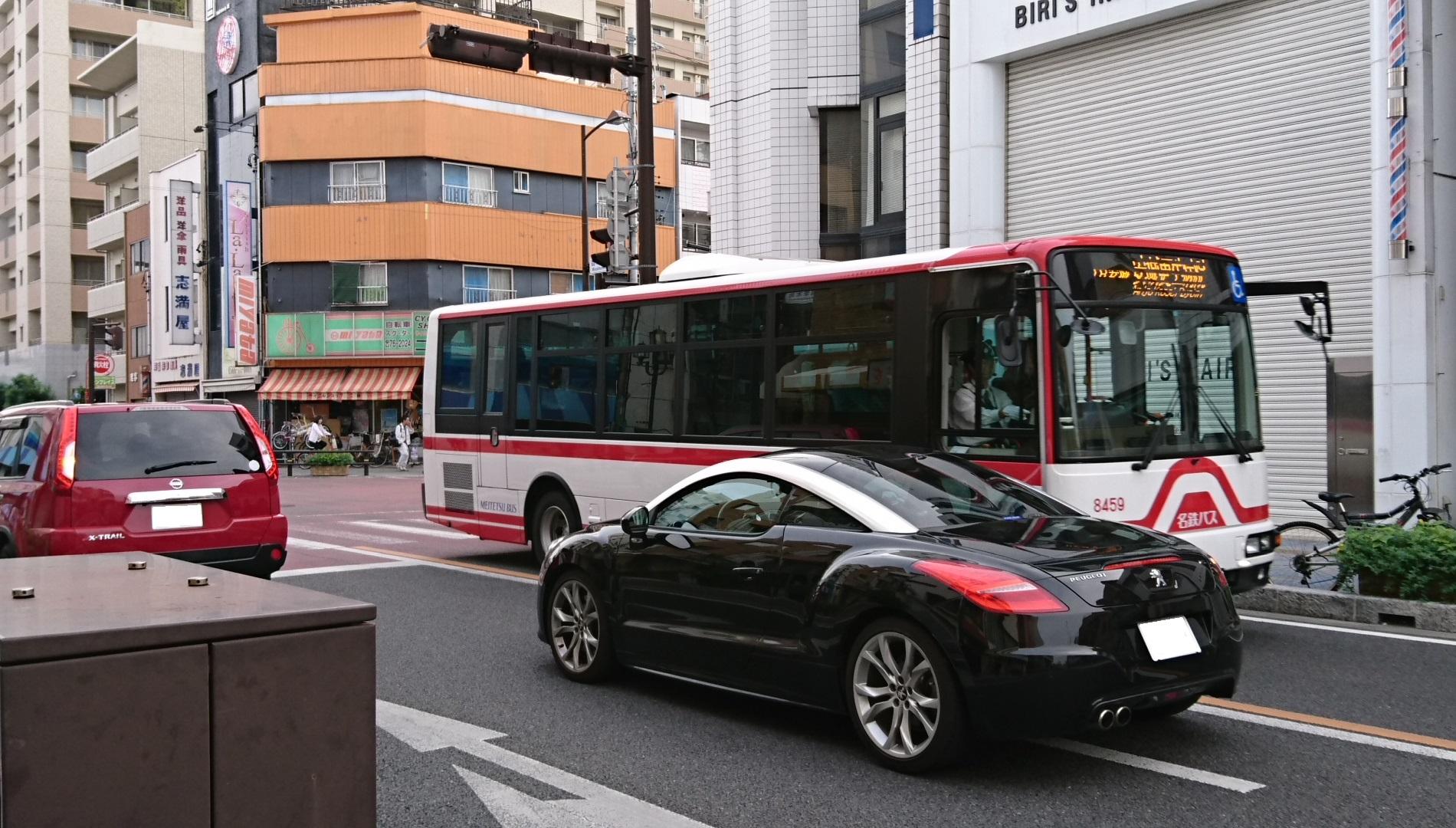 2016.10.21 07:53 御幸本町交差点 - 名鉄バス 1900-1080