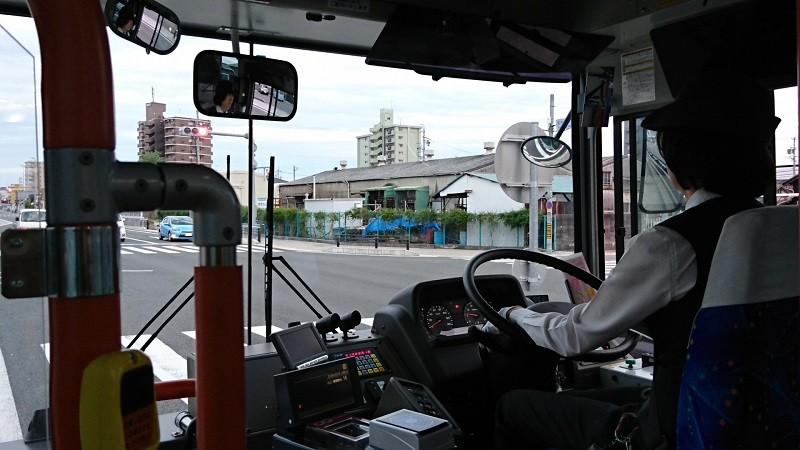 2016.10.23 名鉄バスで坂戸まで (4) 名鉄バス - 国道1号線を右折