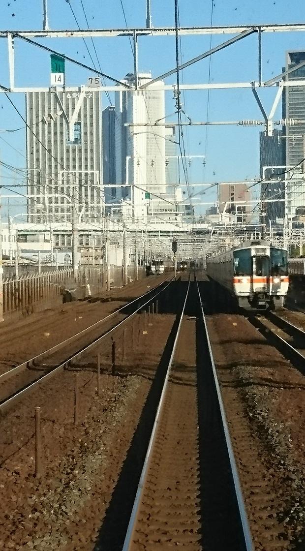 2016.11.16 東海道線 (4) 大垣いき特別快速 - まあじき名古屋 620-1120