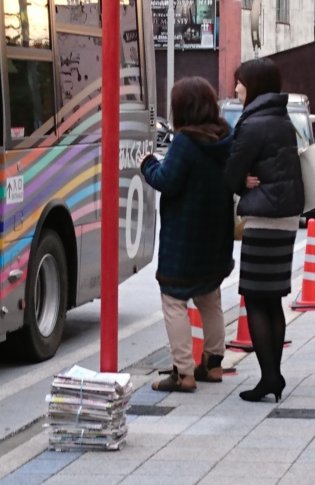 2016.12.9 あさ (5) あんじょうえきまえ - バス 1080-1660
