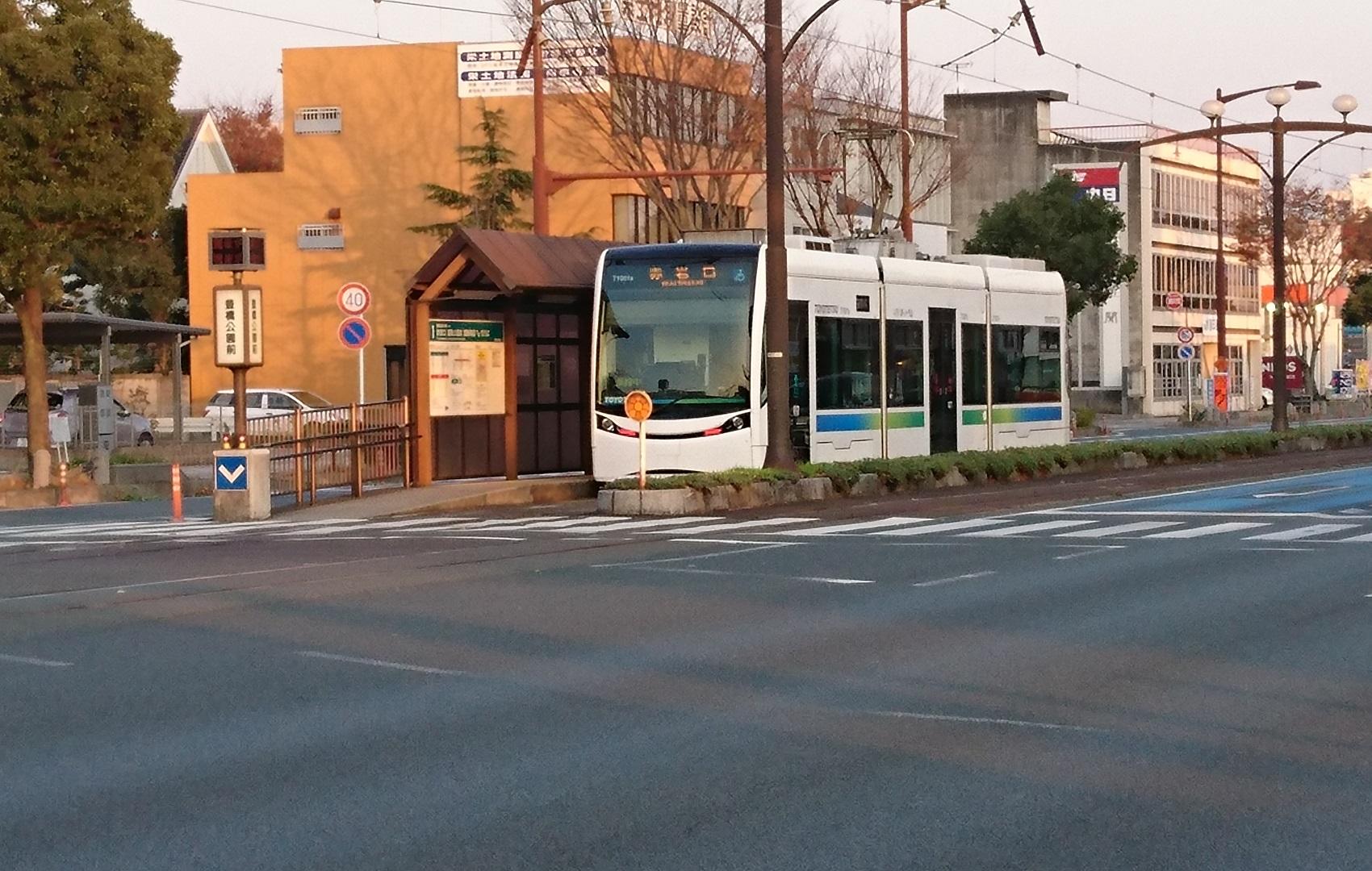 2016.12.9 豊橋 (21) 電車どおり 1700-1080
