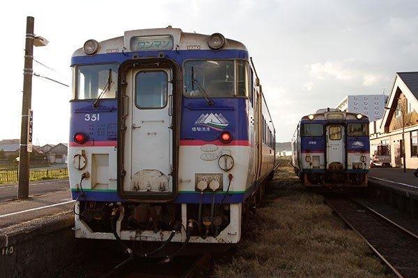 キハ40がたディーゼルカー(2012年10月恵知仁さんさつえい)600-400
