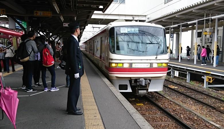 2017.4.15 名鉄 (8) しんあんじょう - 新鵜沼いき快速特急 780-450