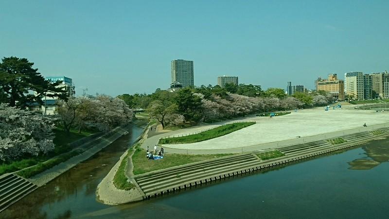2017.4.15 名鉄 (45) 東岡崎いきふつう - 菅生川をわたる