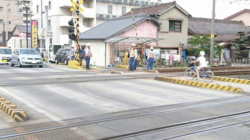 2017.5.15 第1西尾街道ふみきり (1) 事故げんば